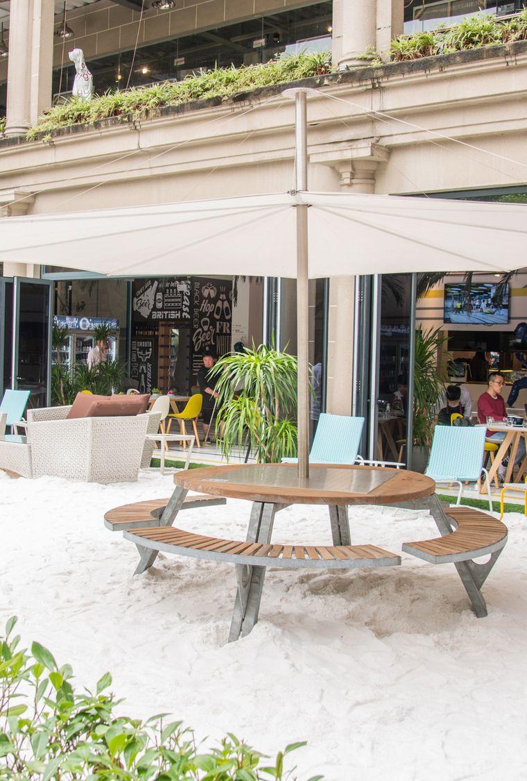 Ein Strand als Caféterrasse