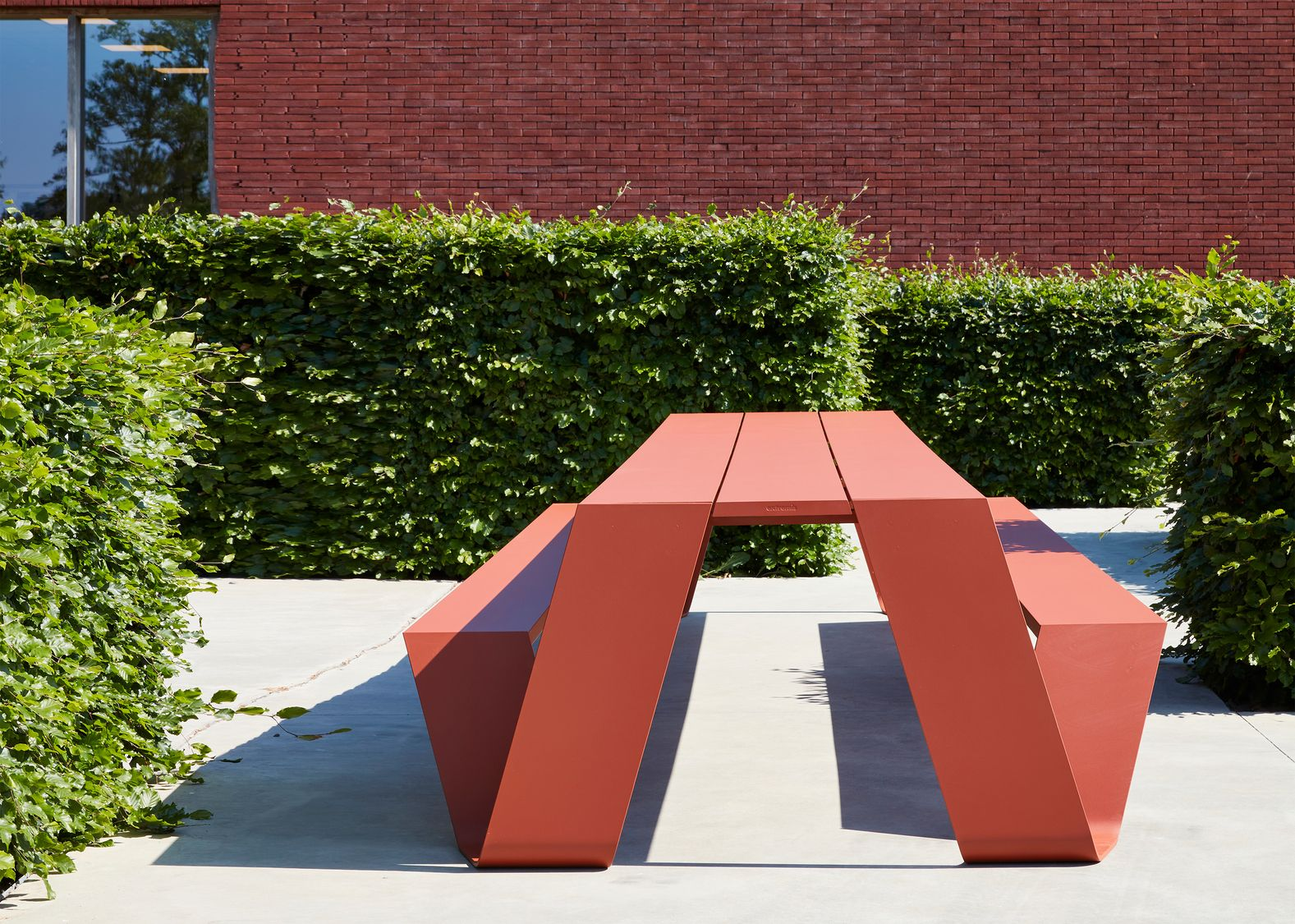 Vibrant outdoor table