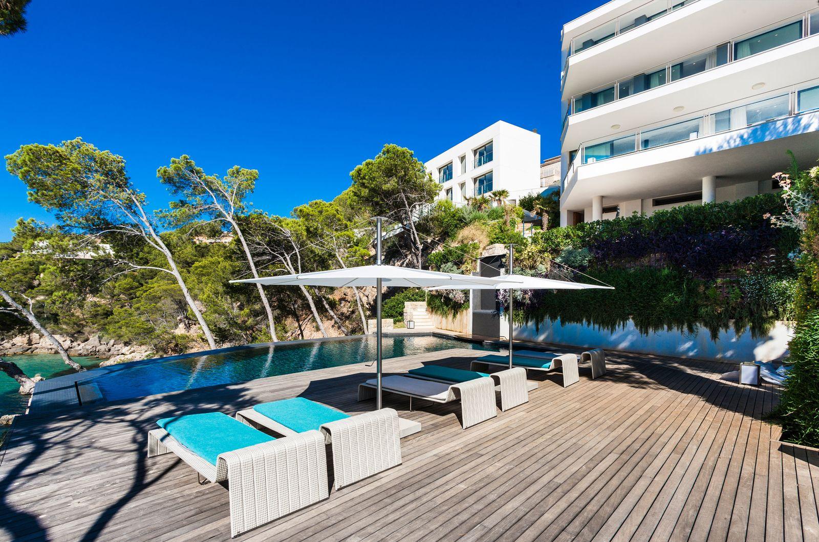 Poolside Shade Mallorca
