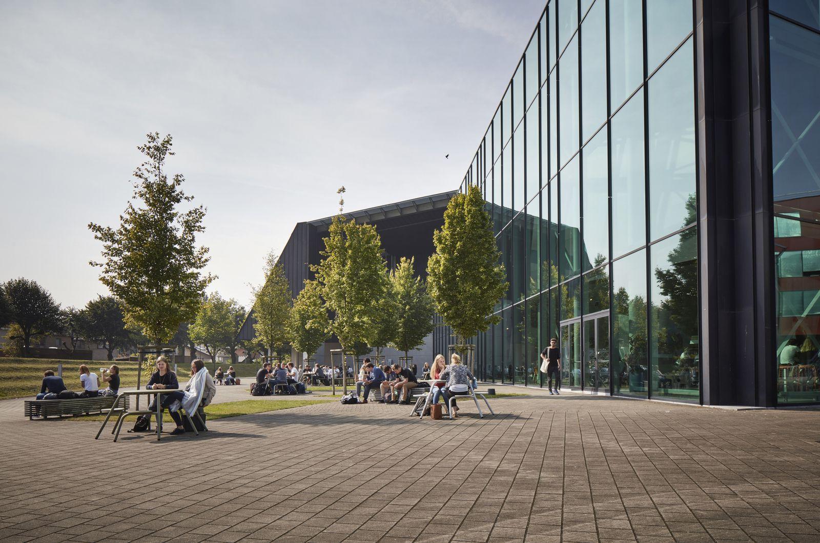Vives university campus