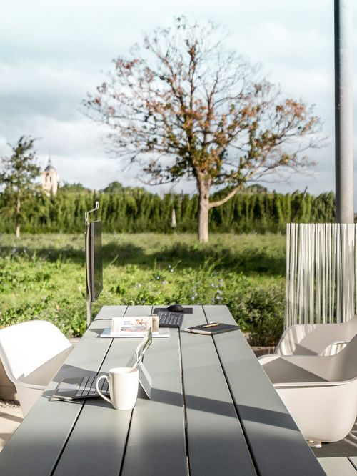 Make the most of your outdoor workspace